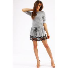BASIC Šedé šaty  Luiza s krajkově lemovanou sukní (ey0239) velikost: univerzální, odstíny barev: šedá